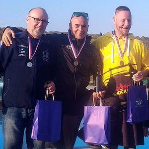 zimní plavání - vítězové 1 km - Slavkov 2019